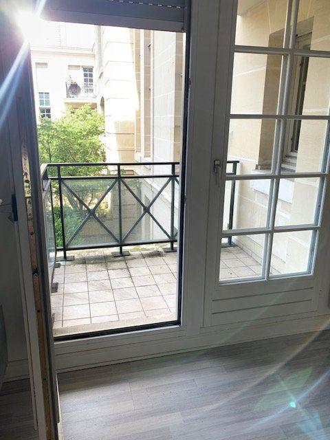 Appartement à louer 1 31m2 à Châtillon vignette-2