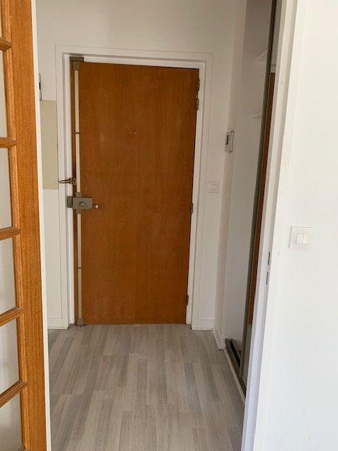 Appartement à louer 1 31m2 à Châtillon vignette-6