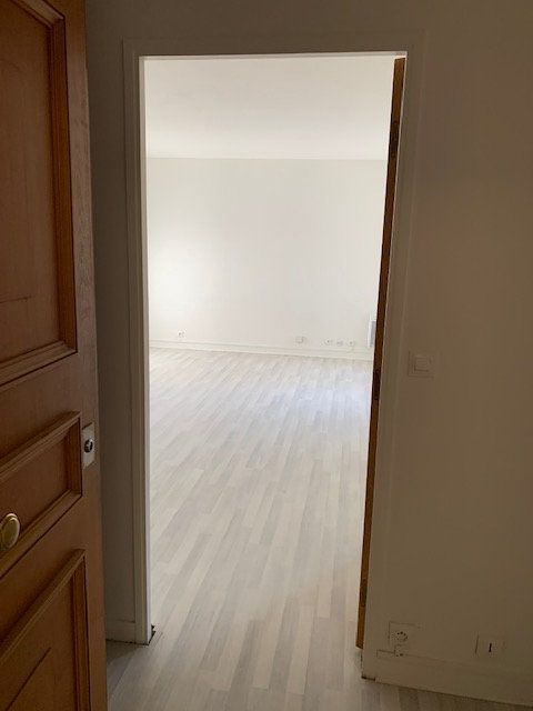 Appartement à louer 1 31m2 à Châtillon vignette-7