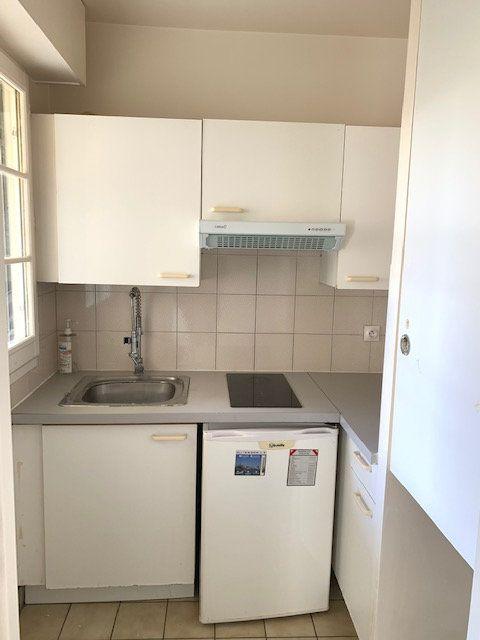 Appartement à louer 1 31m2 à Châtillon vignette-8