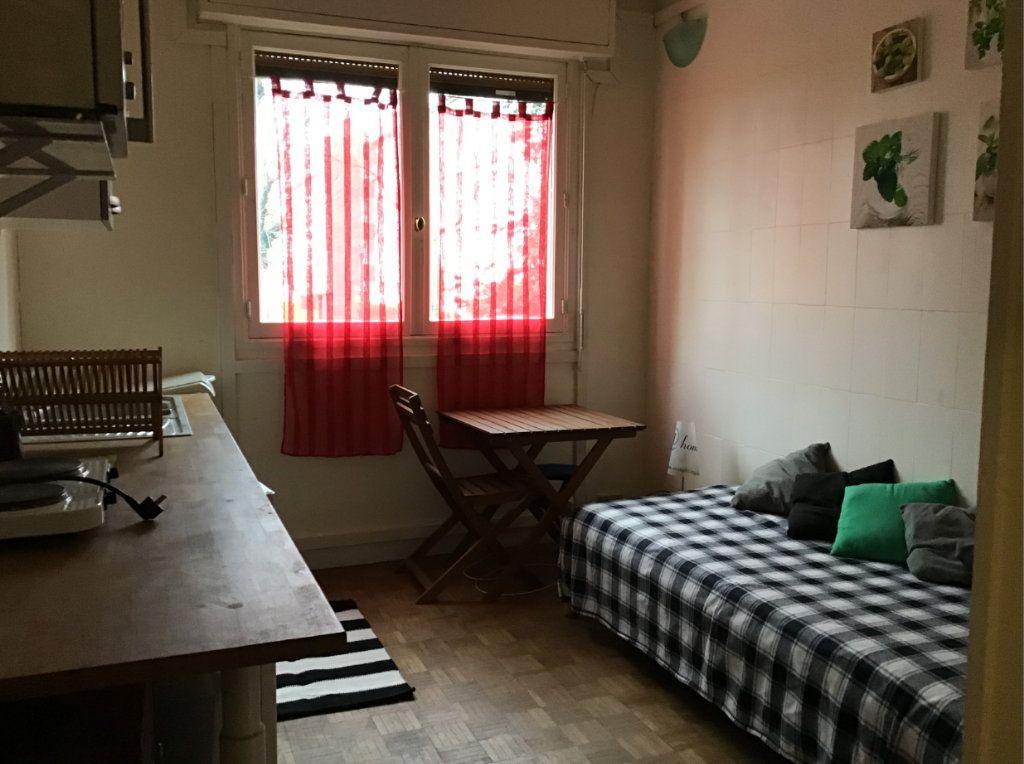 Appartement à louer 1 11.78m2 à Antony vignette-4