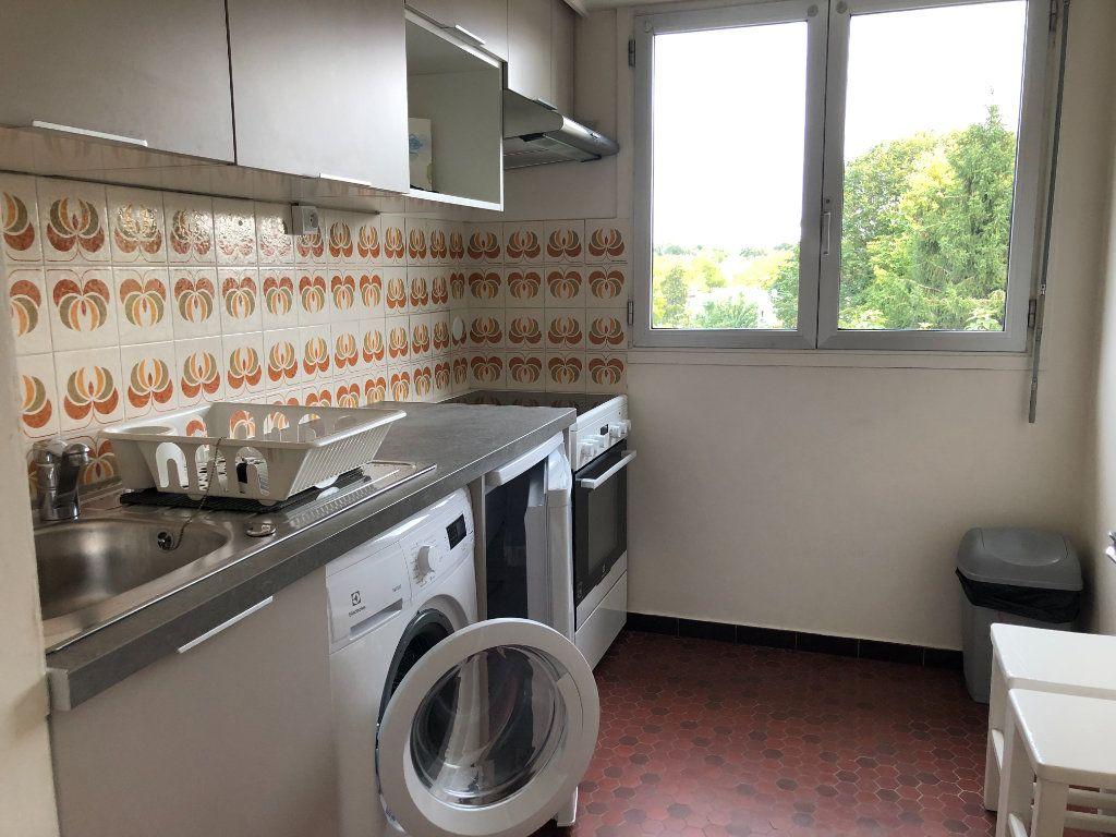 Appartement à louer 1 33.7m2 à Châtenay-Malabry vignette-5