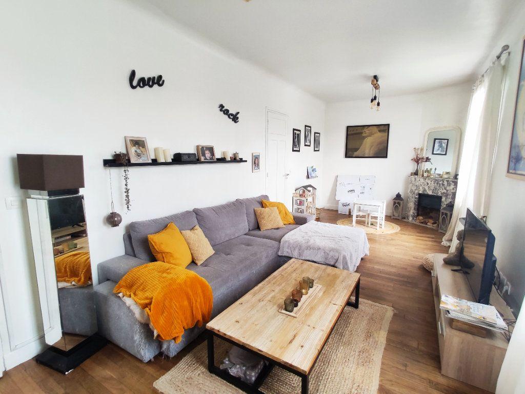 Appartement à vendre 4 70.35m2 à Antony vignette-2