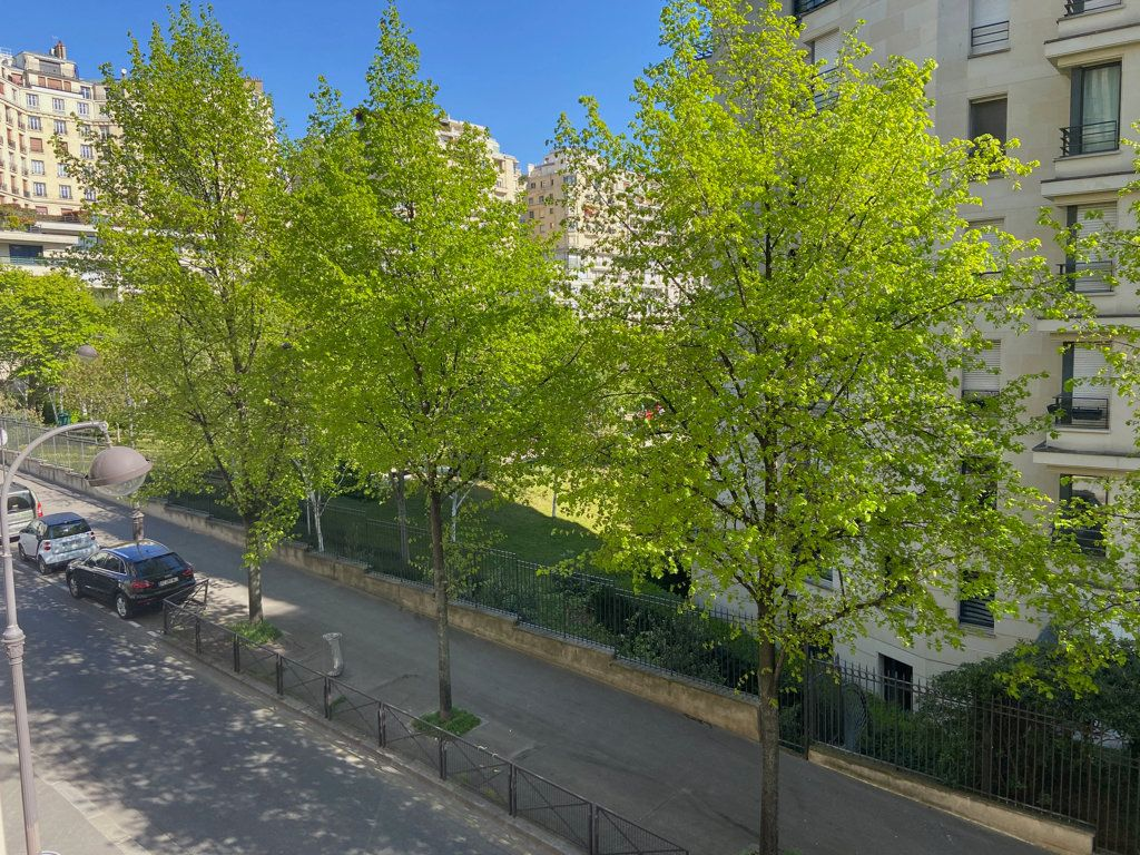 Appartement à vendre 2 68.52m2 à Paris 16 vignette-1