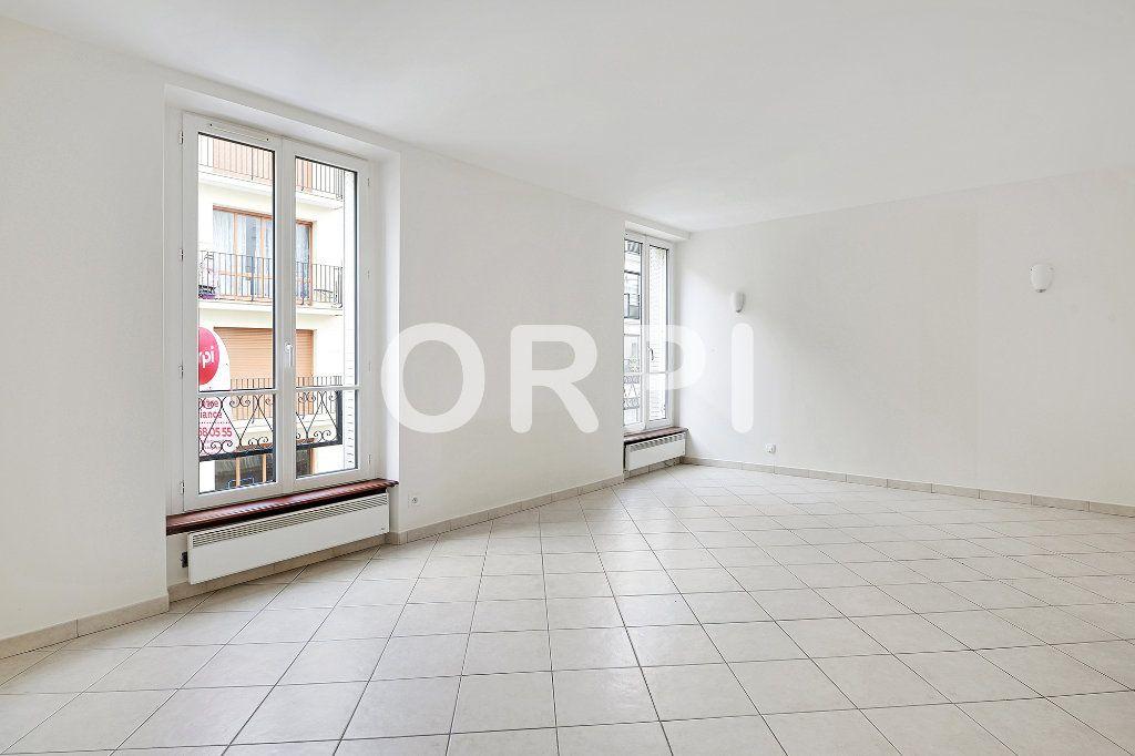 Appartement à vendre 3 48.1m2 à Paris 15 vignette-2