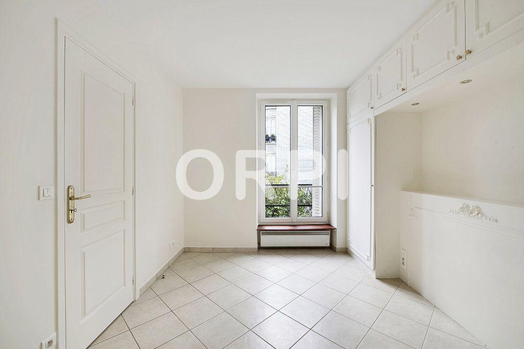 Appartement à vendre 3 48.1m2 à Paris 15 vignette-5