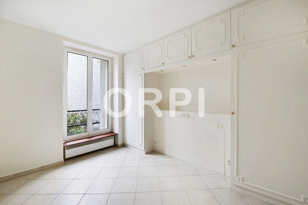 Appartement à vendre 3 48.1m2 à Paris 15 vignette-6