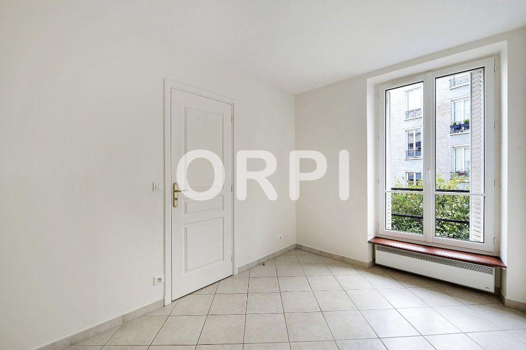 Appartement à vendre 3 48.1m2 à Paris 15 vignette-8
