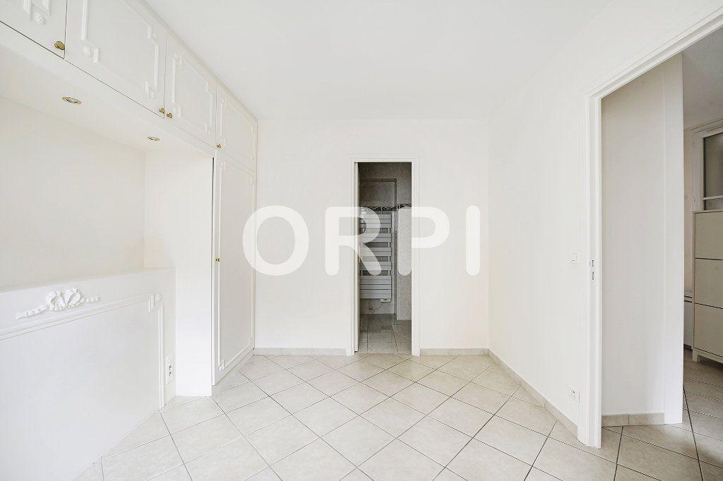 Appartement à vendre 3 48.1m2 à Paris 15 vignette-10