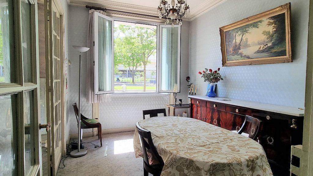 Appartement à vendre 3 55m2 à Paris 15 vignette-2