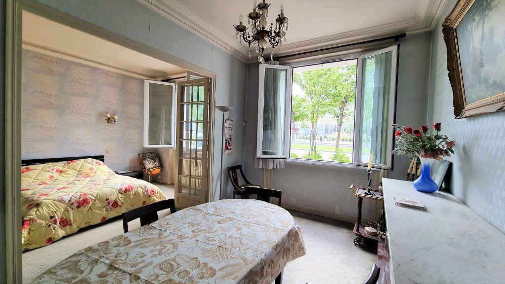 Appartement à vendre 3 55m2 à Paris 15 vignette-4