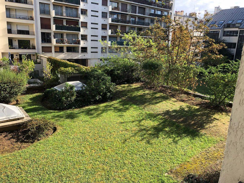 Appartement à vendre 2 59m2 à Paris 15 vignette-3