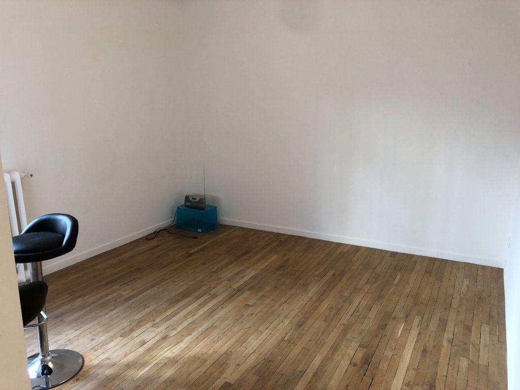 Appartement à vendre 1 18.89m2 à Paris 15 vignette-2
