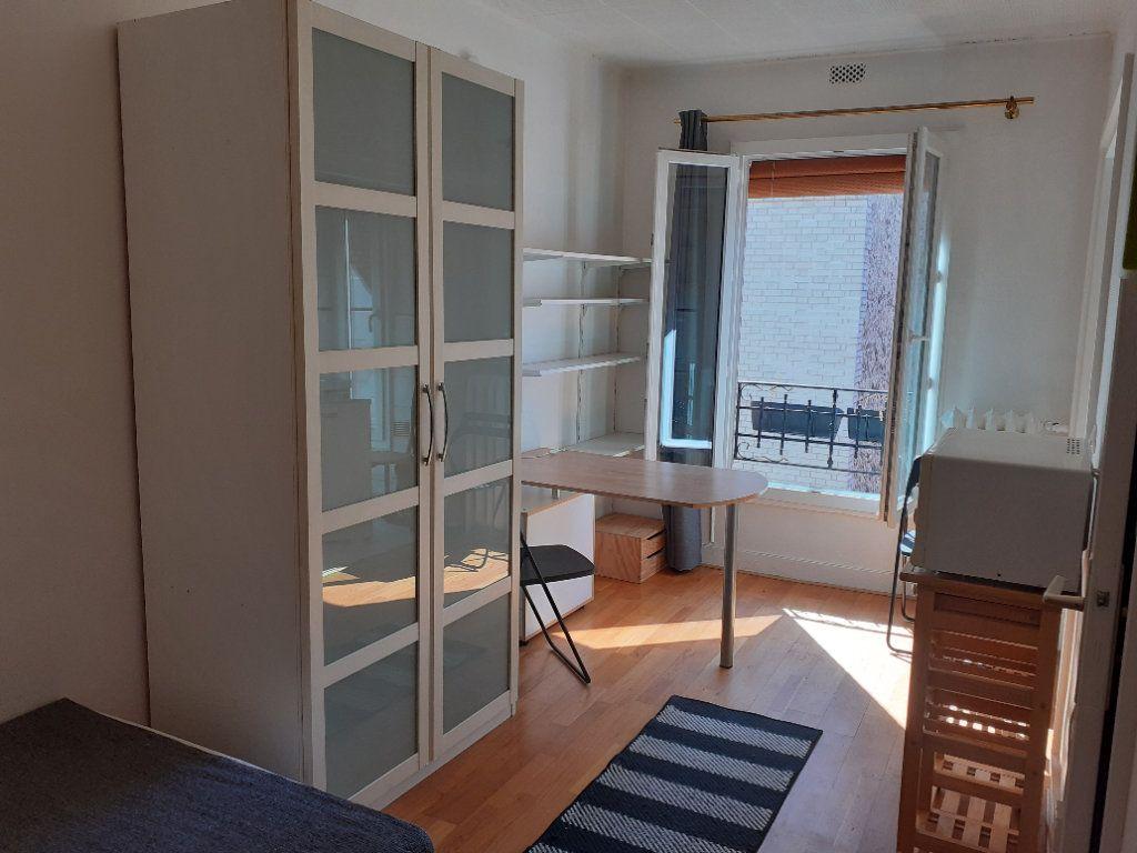 Appartement à louer 1 16.42m2 à Paris 15 vignette-2