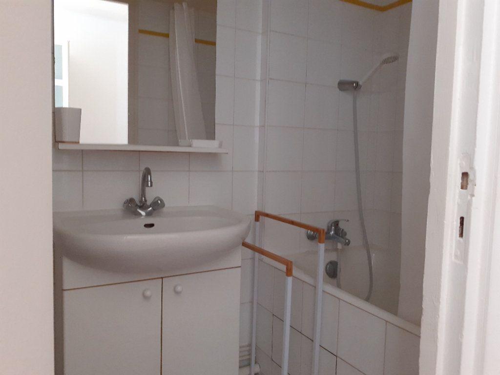 Appartement à louer 1 16.42m2 à Paris 15 vignette-5