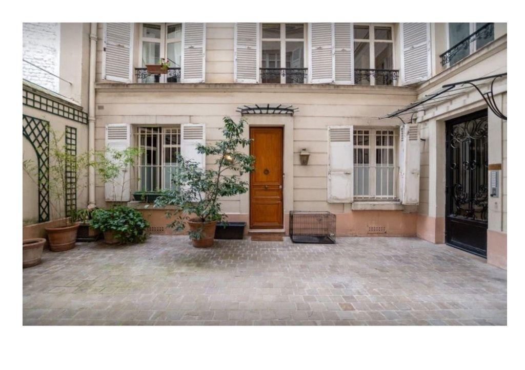 Appartement à vendre 6 145m2 à Paris 16 vignette-2
