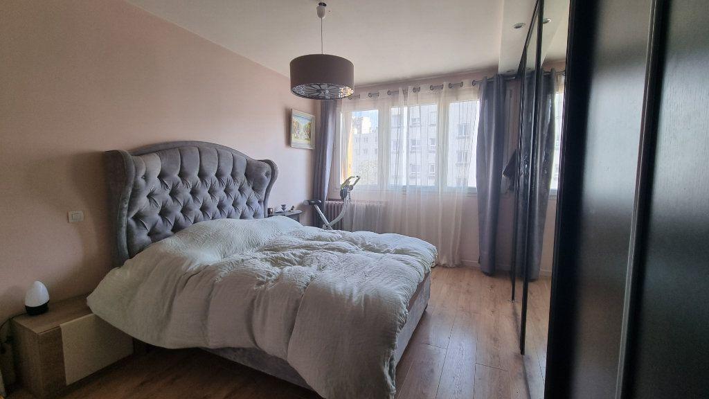 Appartement à vendre 4 82m2 à Issy-les-Moulineaux vignette-6