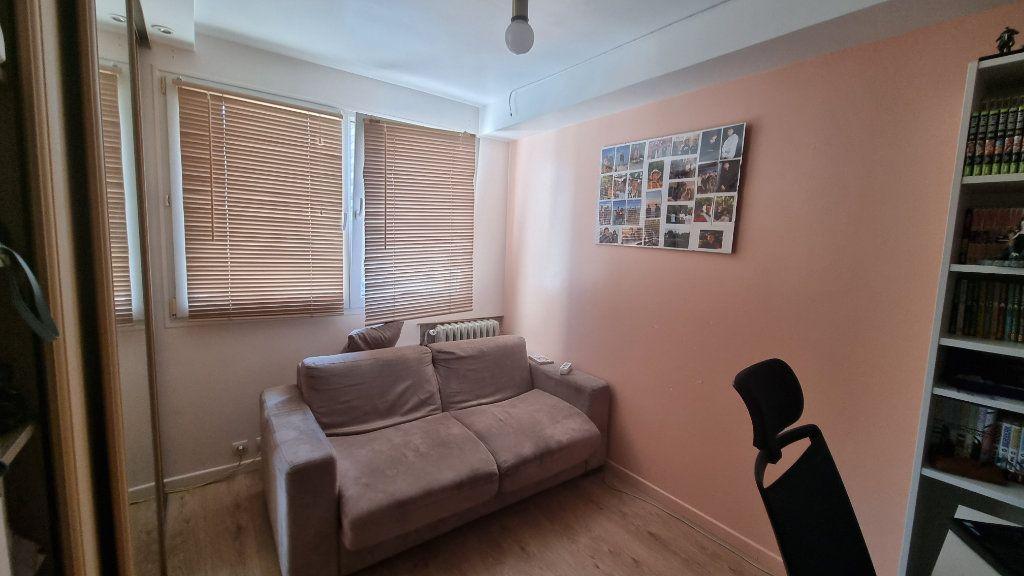 Appartement à vendre 4 82m2 à Issy-les-Moulineaux vignette-7