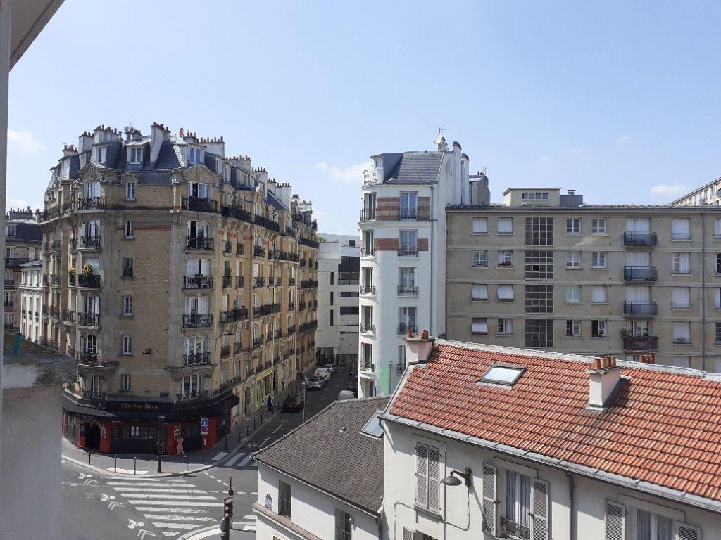 Appartement à louer 3 65.61m2 à Paris 15 vignette-1