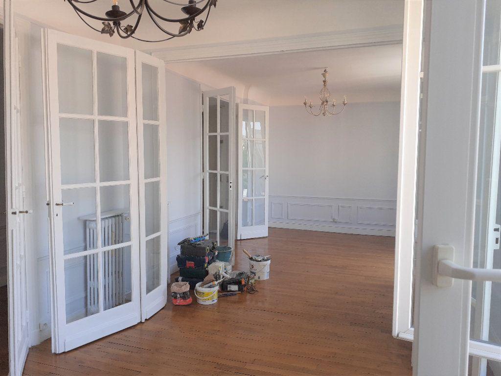 Appartement à louer 3 65.61m2 à Paris 15 vignette-5
