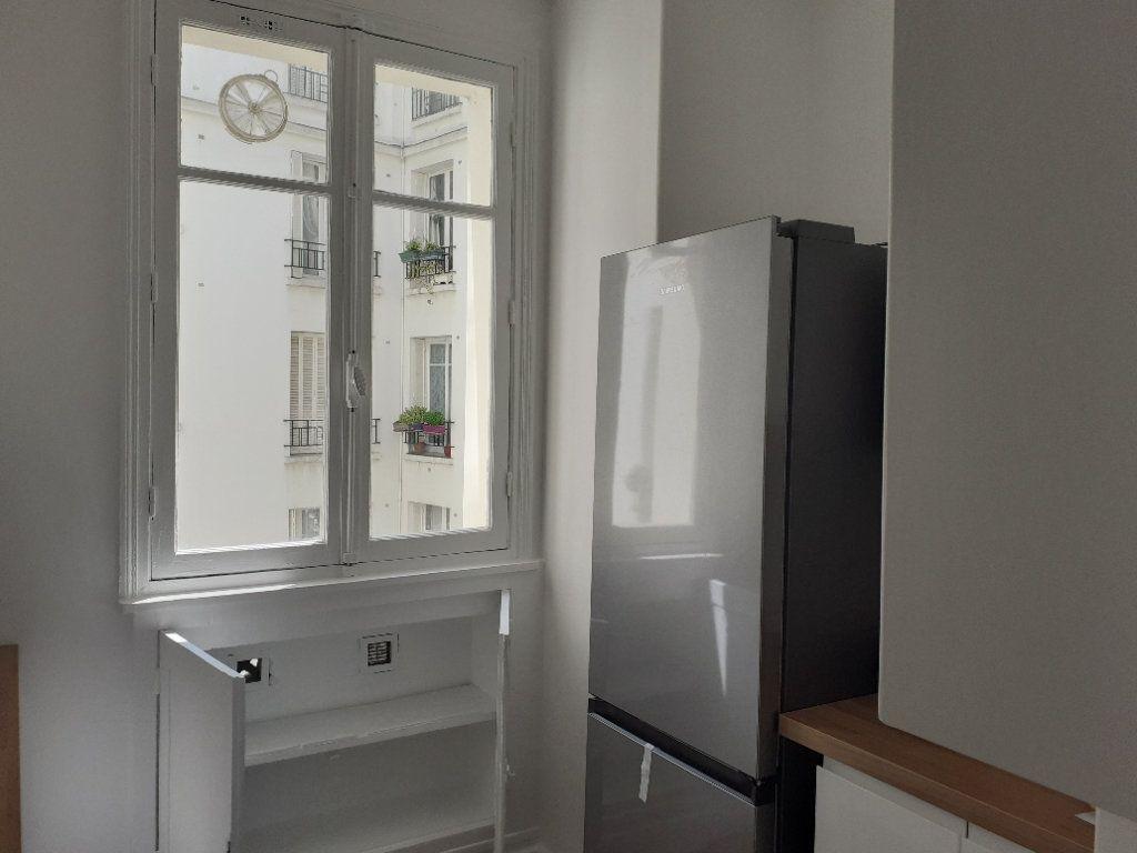 Appartement à louer 3 65.61m2 à Paris 15 vignette-7