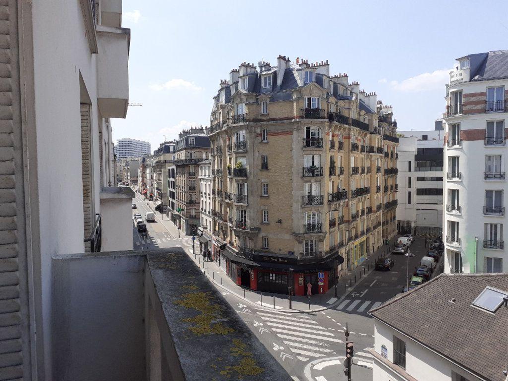 Appartement à louer 3 65.61m2 à Paris 15 vignette-8