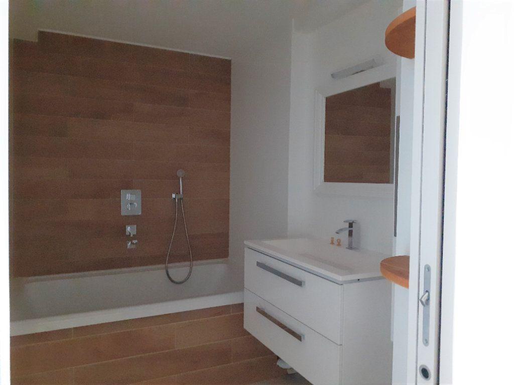 Appartement à louer 3 60m2 à Paris 15 vignette-8