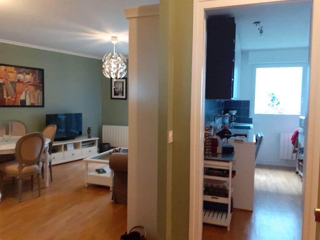 Appartement à louer 2 51.72m2 à Paris 15 vignette-4