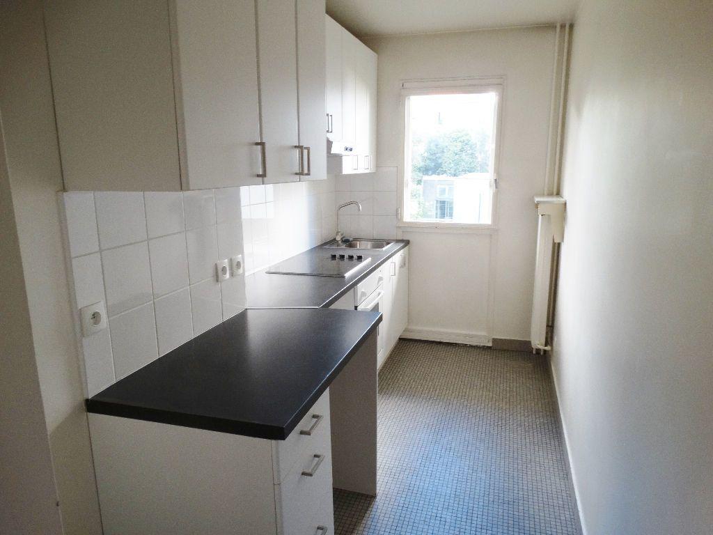 Appartement à louer 3 64m2 à Paris 15 vignette-4
