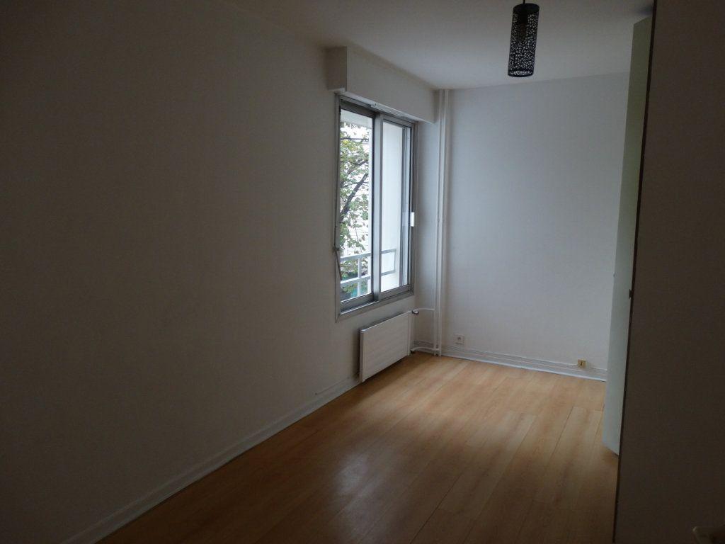 Appartement à louer 3 70m2 à Paris 15 vignette-4