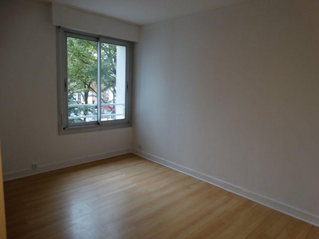 Appartement à louer 3 70m2 à Paris 15 vignette-5