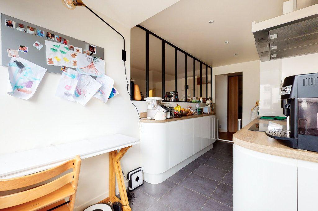 Appartement à vendre 3 71m2 à Paris 15 vignette-5
