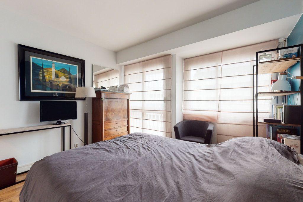Appartement à vendre 3 71m2 à Paris 15 vignette-7