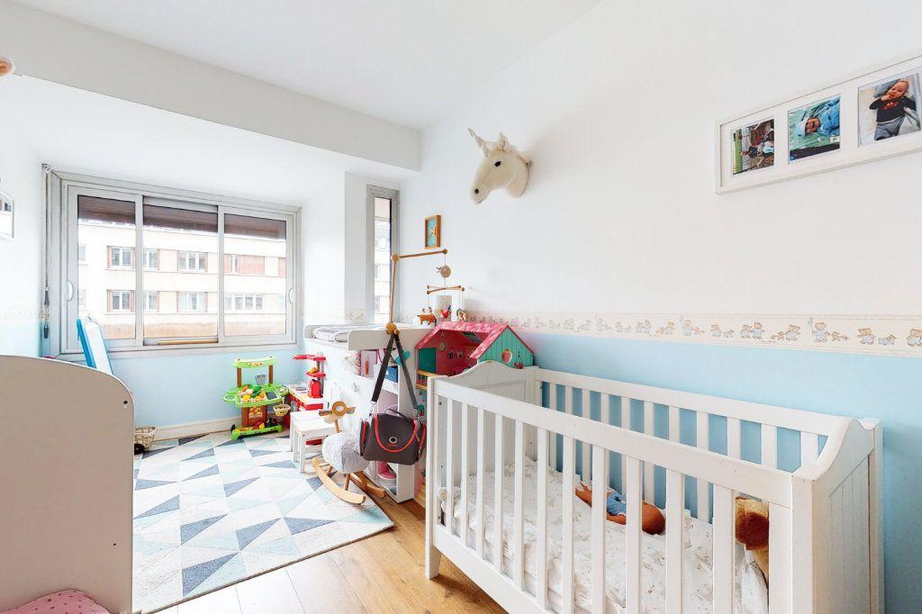 Appartement à vendre 3 71m2 à Paris 15 vignette-8