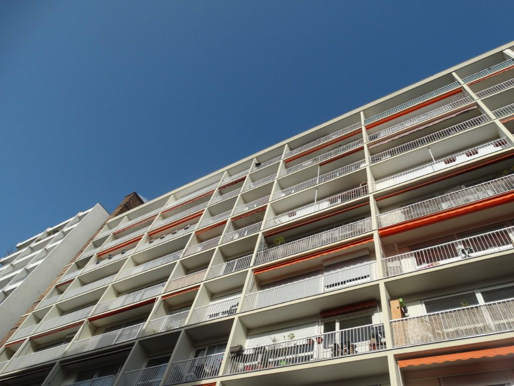 Appartement à vendre 3 74.48m2 à Paris 20 vignette-1