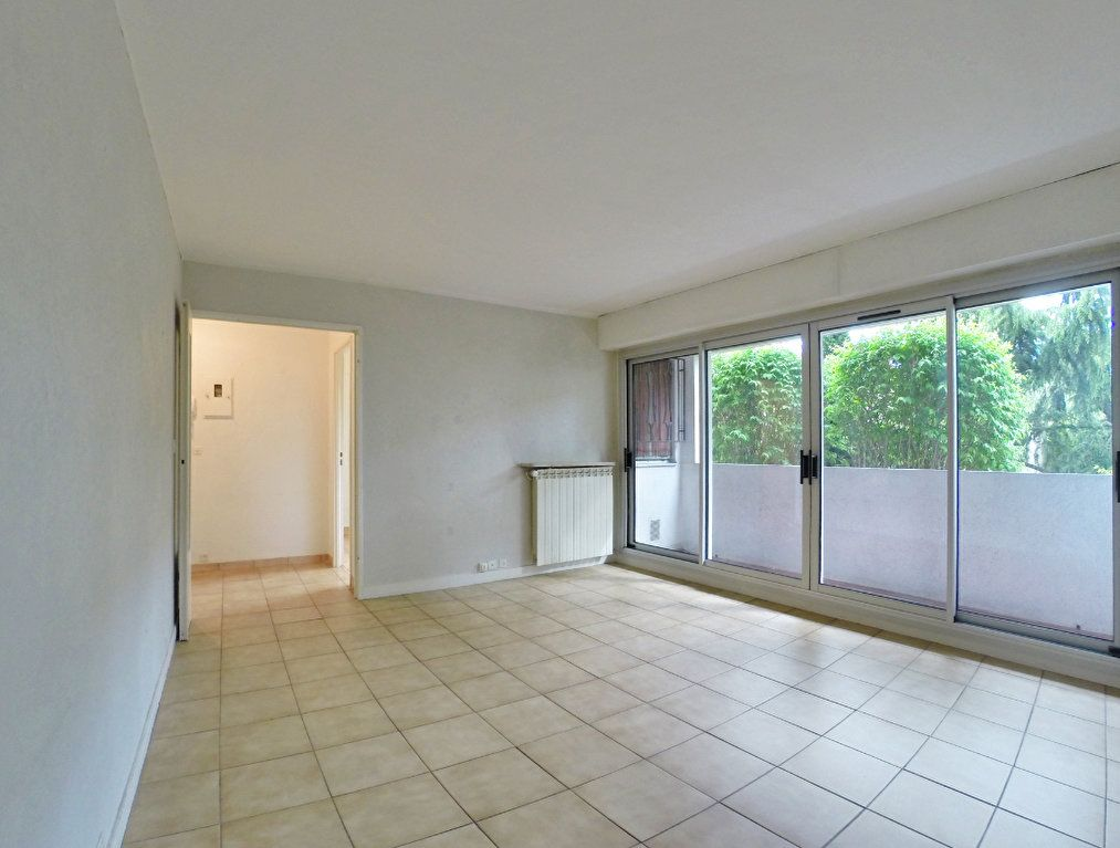 Appartement à louer 3 64m2 à Sucy-en-Brie vignette-1