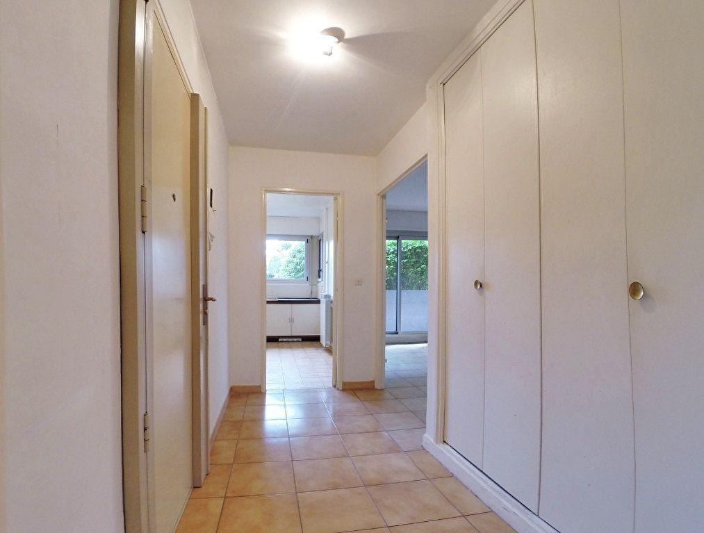 Appartement à louer 3 64m2 à Sucy-en-Brie vignette-2