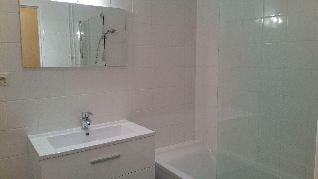 Appartement à louer 3 64m2 à Sucy-en-Brie vignette-4
