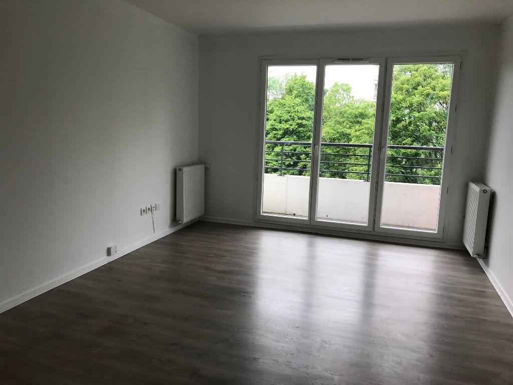 Appartement à louer 2 48.35m2 à Sucy-en-Brie vignette-2
