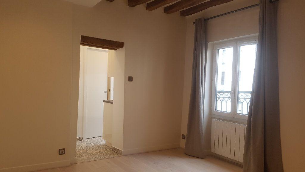 Appartement à louer 1 19.5m2 à Paris 12 vignette-2