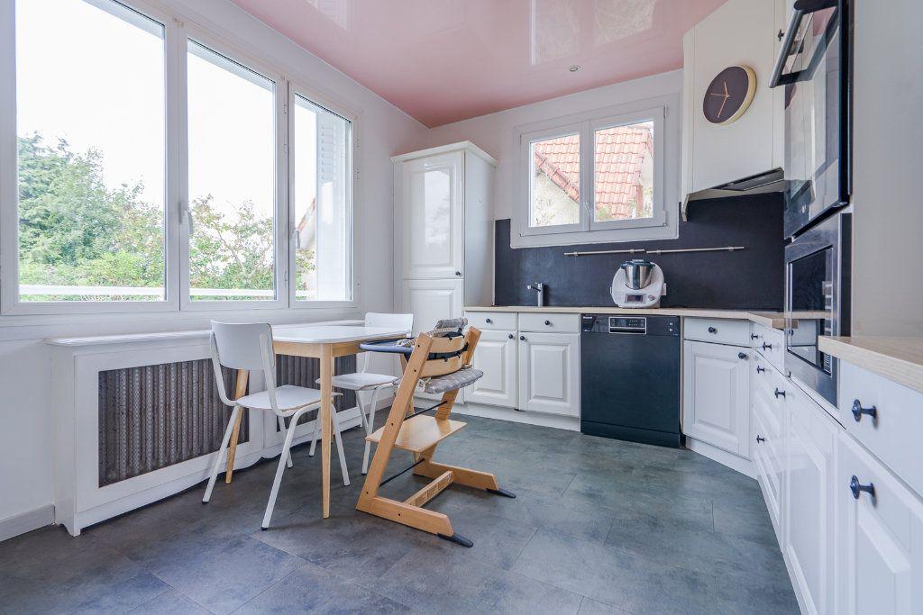 Maison à vendre 6 135m2 à Sucy-en-Brie vignette-5