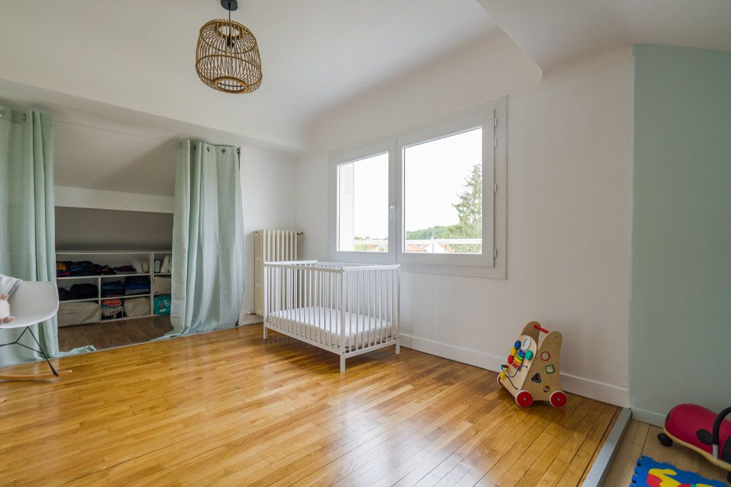 Maison à vendre 6 135m2 à Sucy-en-Brie vignette-9