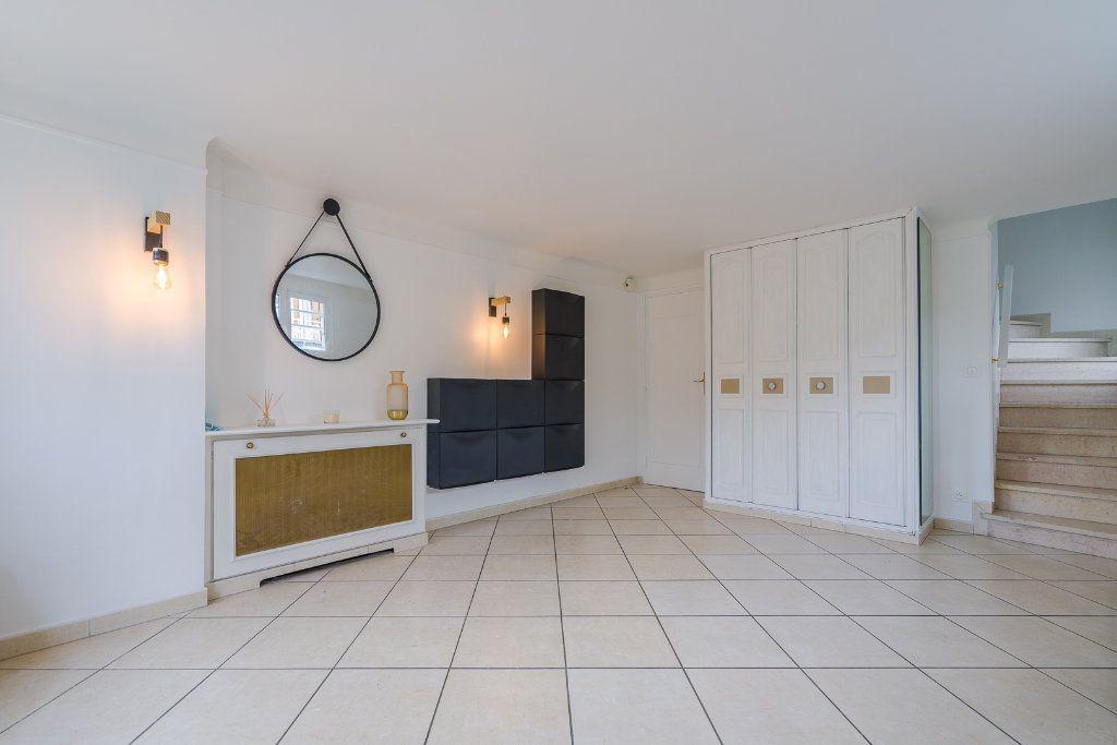 Maison à vendre 6 135m2 à Sucy-en-Brie vignette-11