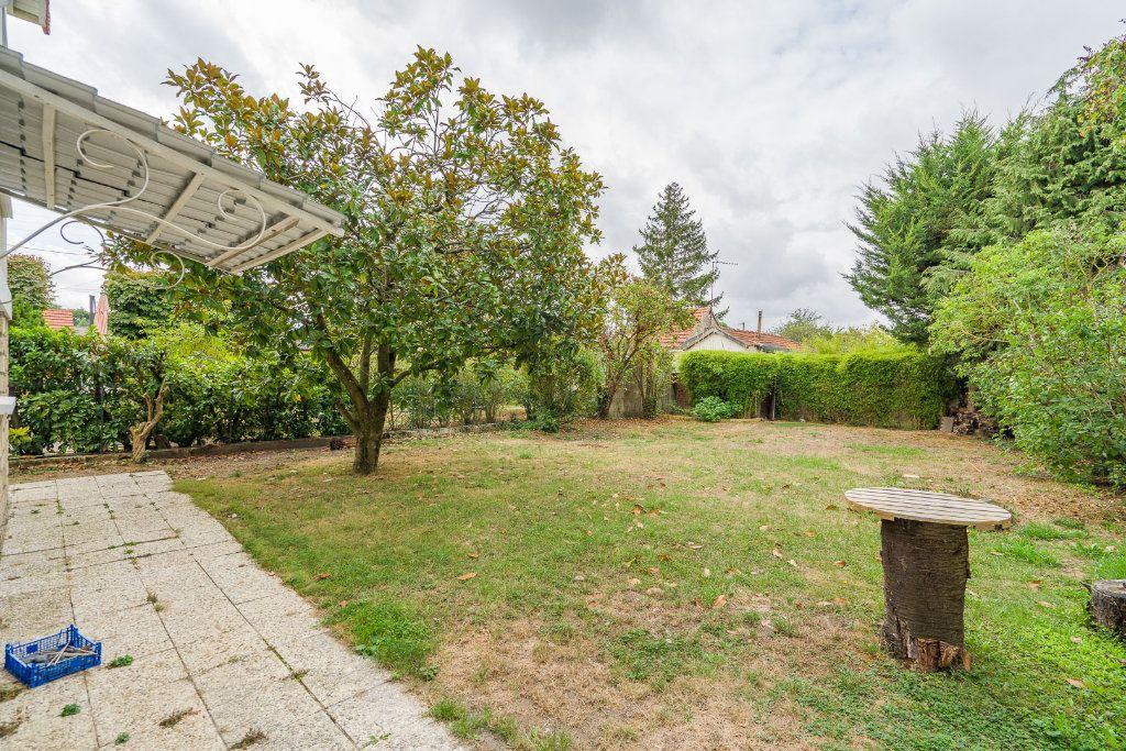 Maison à vendre 6 135m2 à Sucy-en-Brie vignette-12