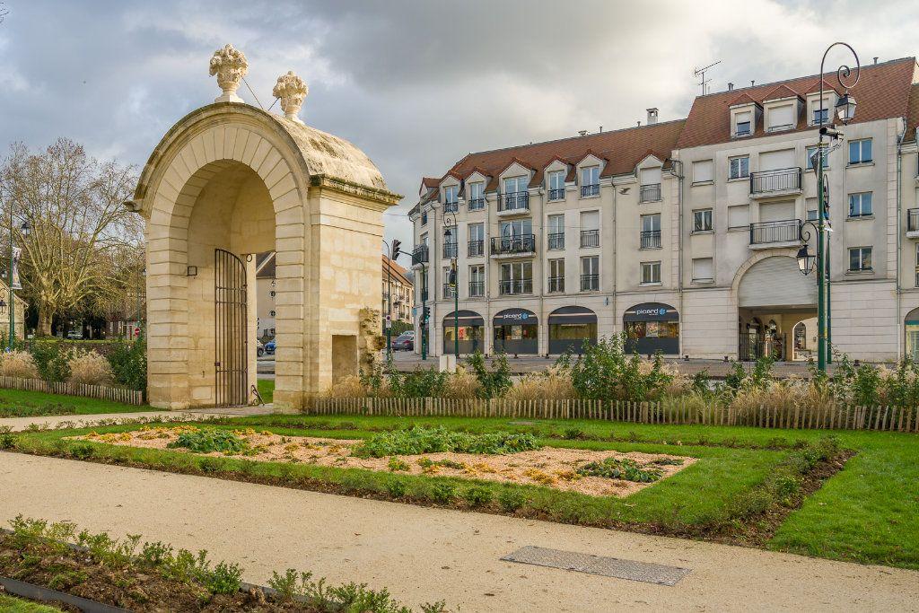 Appartement à vendre 5 114m2 à Sucy-en-Brie vignette-1