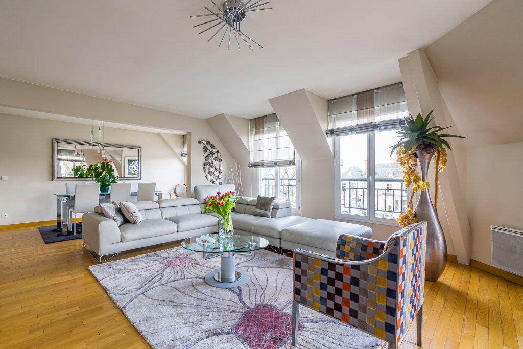 Appartement à vendre 5 114m2 à Sucy-en-Brie vignette-2