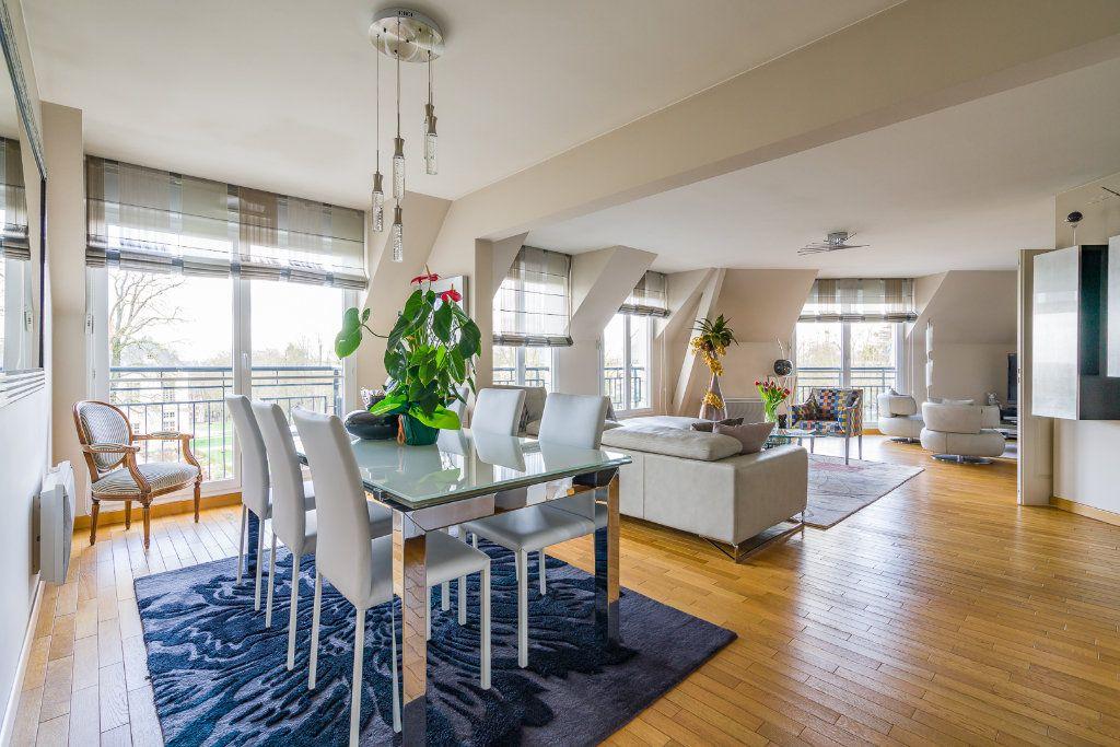 Appartement à vendre 5 114m2 à Sucy-en-Brie vignette-3