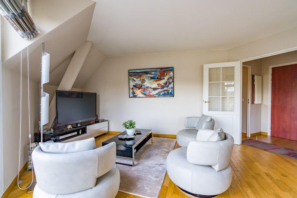 Appartement à vendre 5 114m2 à Sucy-en-Brie vignette-4