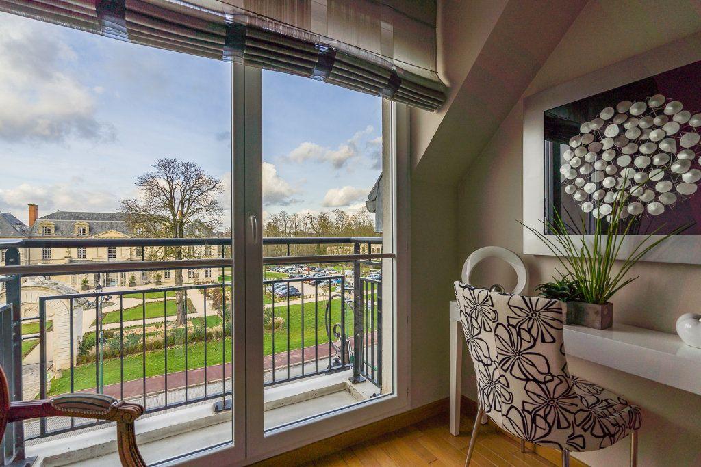 Appartement à vendre 5 114m2 à Sucy-en-Brie vignette-6