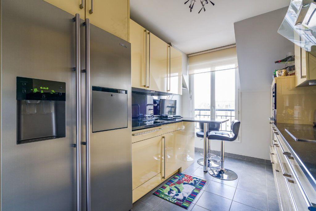 Appartement à vendre 5 114m2 à Sucy-en-Brie vignette-7